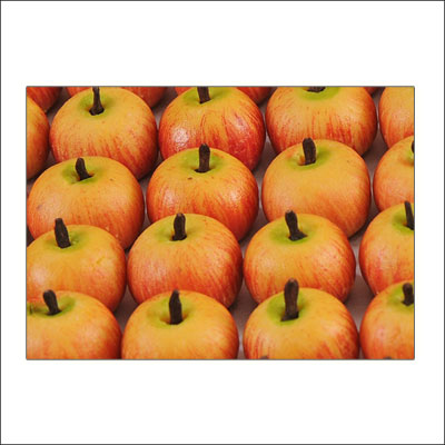Click here for more on Kaju Apple Sweets - 1kg