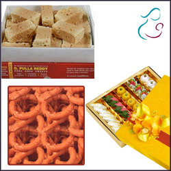 Click here for more on Sweet Hamper for Mom - Code05