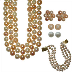 Click here for more on DELIGHTFULL PEARL SET (IMPRP10736)