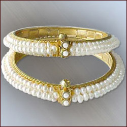 Click here for more on PEARL BANGLES - FLORAL (SJPDPB 003)